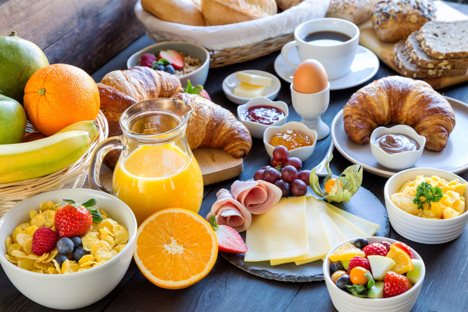 Breakfast for non-residential guests